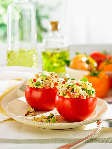 Tomatoes stuffed with tabbouleh and chicken