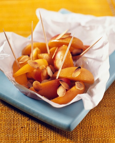 Apricot and honey papillote with mandarine liqueur