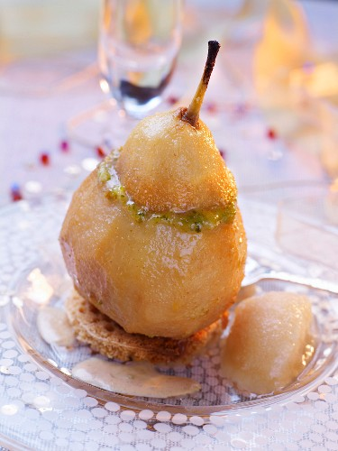 Poached pear with pistachio jelly