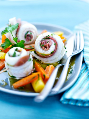 Sole and raw ham Goujonnettes with crisp vegetables