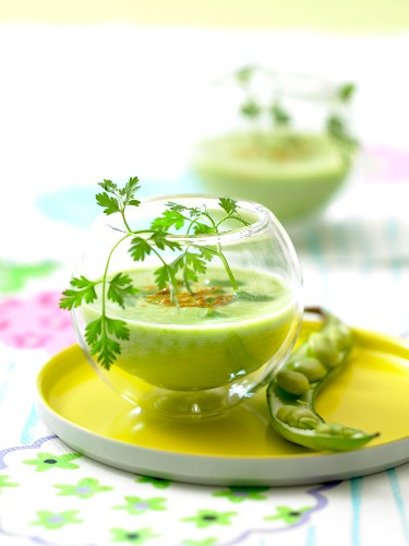 Broad bean and turmeric soup