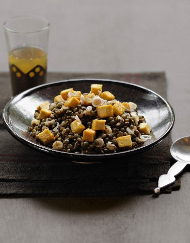 Lentil salad with diced tofu and citronella