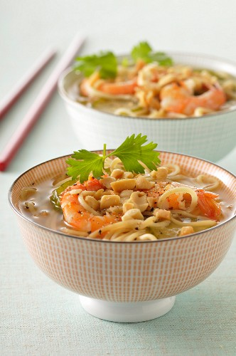 Noodle,shrimp and peanut broth