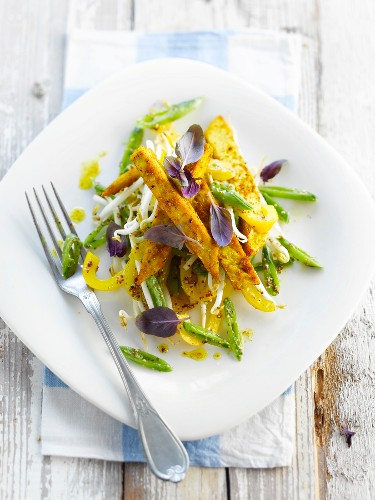 Green beans with soya,yellow bell peppers and Guorn