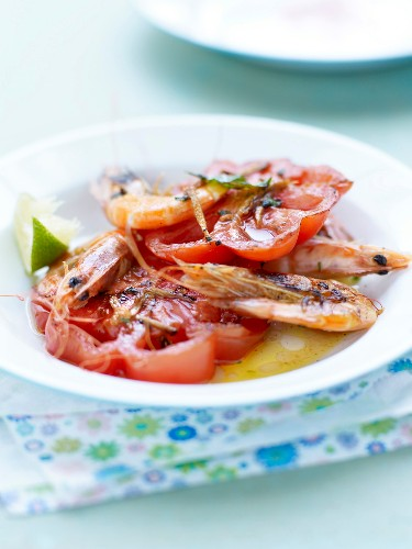 Beef tomatoes with roasted shrimps and lime vinaigrette