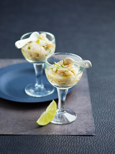 Petoncle scallop tartare with lime