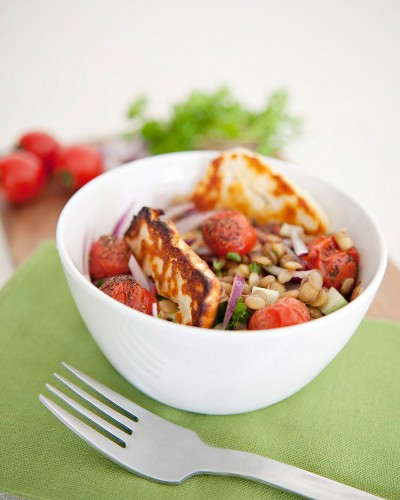 Blond lentil,tomato and grilled halloumi salad