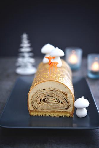 Crêpe Christmas log cake