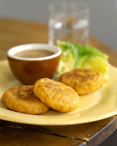 Pupusas with Dipping Sauce