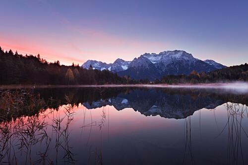 Luttensee, Blick zum Karwendel, bei Mittenwald, Werdenfelser Land, Bayern, Deutschland