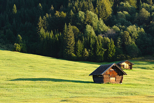 Scheune bei Gerold am Wagenbrüchsee, Bayern, Deutschland