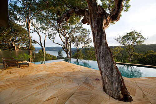 Der Infinitypool des Pretty Beach House hat herrliche Ausblicke, Central Coast, New South Wales, Australien