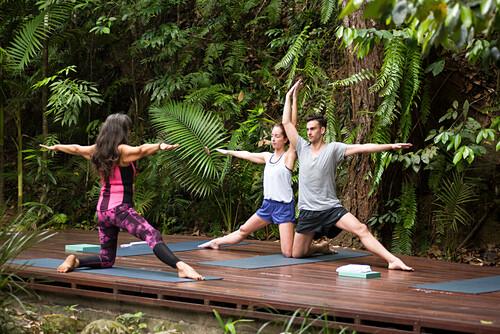Die Lodge bietet Yogaunterricht an, Silky Oaks Lodge, Queensland, Australien