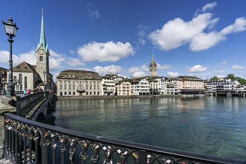 Münsterbrücke, Limmat, Fraumünster, St. Peterskirche, Zürich, Schweiz