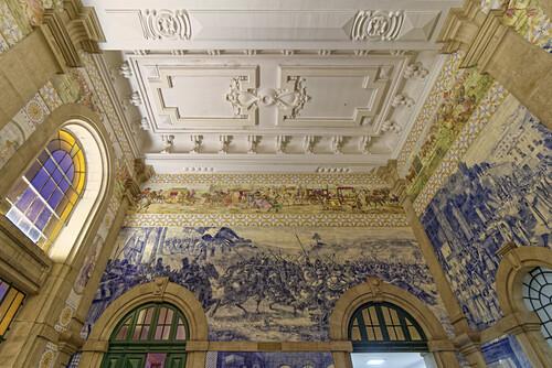 Sa Benta, Hauptbahnhof, Innenaufnahme, Azulejos, kunstvoll bemalte Wandfliesen,  Porto, Portugal