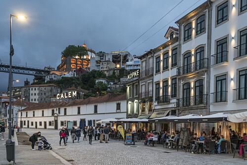 Restaurants, Ribera de Gaia, Sandeman Restaurant, Kopke Weinhaus, Calem,  Porto, Portugal