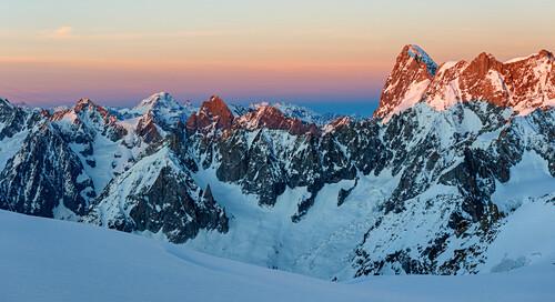Sunset in highalpine terrain around Cosmiques hut, Grandes Jorasses, Mont-Blanc region, Haute-Savoie, France
