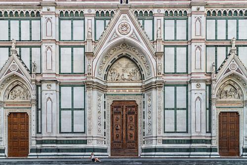 Frontansicht der Basilica Santa Croce in Florenz, Italien