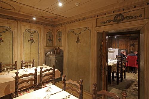 Historische Gasträume der Locanda Cardinello, Isola, Sondrio, Lombardei