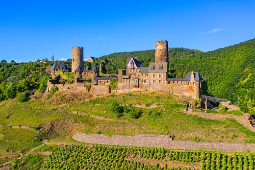Luftaufnahme der Burg Thurant bei Alken, Mosel, Rheinland-Pfalz, Deutschland