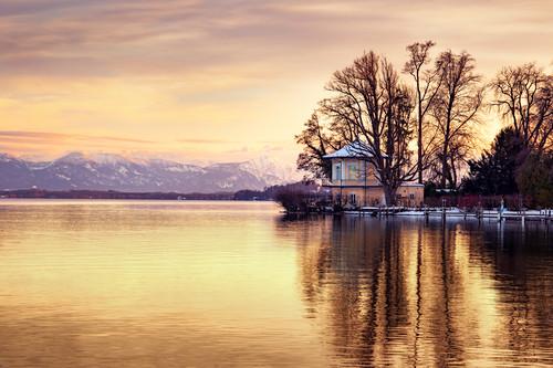 Sonnenuntergang am Starnberger See, Bergblick, Brahmspromenade,Tutzing, Bayern, Deutschland