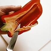 Deseeding red pepper