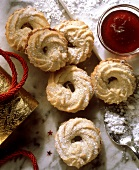 Filled marzipan cookies