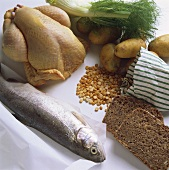 Fish; poultry; bread; lentils and vegetables