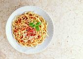 Spaghetti al pomodoro (Nudeln mit Tomatensauce, Italien)