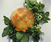 Gelee mit pochiertem Ei auf Brunnenkresse