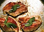 Saltimbocca alla romana (Kalbsschnitzel mit Salbei, Italien)