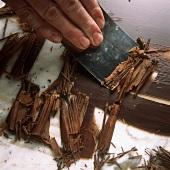 Schokoladenröllchen herstellen