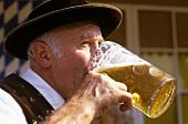 Draymen drinking beer