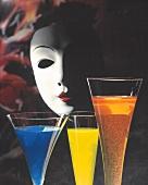 Drei Cocktails: Blue Curacao, Grüne Banane, Champagner