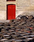 Fässer warten auf Weinlese,Gut Lopez de Heredia,Rioja,Spanien
