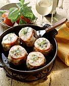 Meatballs with tomato and mozzarella (Italy)