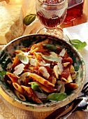 Rigatoni with tomato & red wine sauce & button mushrooms