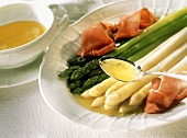Green & white asparagus with ham and melted butter, 2
