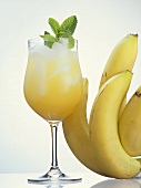 Non-alcoholic banana cocktail