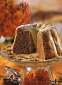 Gingerbread gugelhupf with whipped wine sauce