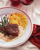 Beef medallions with green beans with bacon & potato gratin