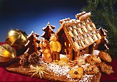 Gingerbread House with Two Snowmen