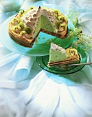 Domed kiwi fruit gateau with meringue