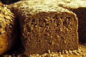 Wholemeal bread, slices cut