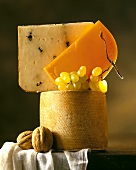 Cheese tower (three hard cheeses), walnuts & grapes