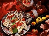Nikolausplätzchen, Gewürz-Ruten, Marzipanfrüchte