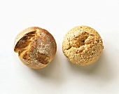 Wholemeal rolls and sesame rolls