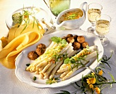 White asparagus with meatballs & julienne vegetables