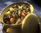 Fleischeintopf mit Kartoffeln, Tomaten & Knoblauch