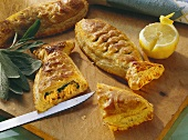 Salmon fillets with spinach in puff pastry (in fish shape)